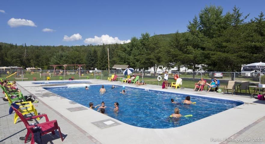 Camping et plage municipale de d gelis activit s for Camping a quebec avec piscine