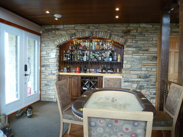 Chalet Laroche-gaming table