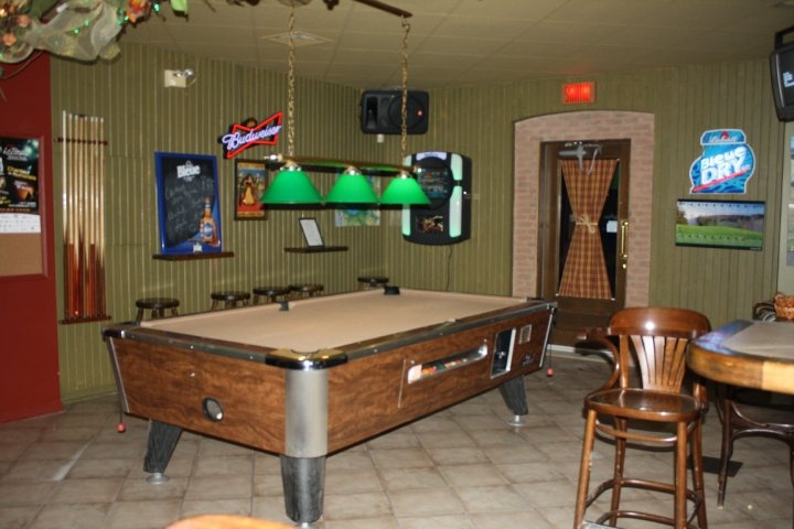 O'P'tit Bar Resto table de billard