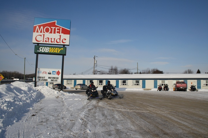Motel Claude : motoneigistes