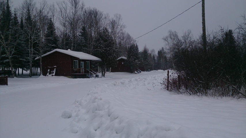 Camping Biencourt-cabins in winter