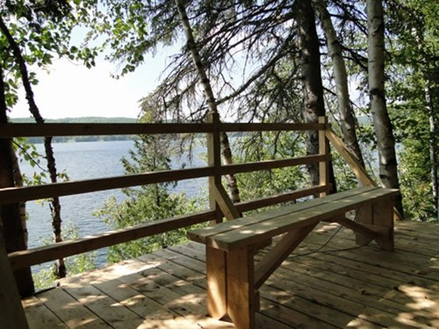 Viewpoint on Lake Grand Squatec